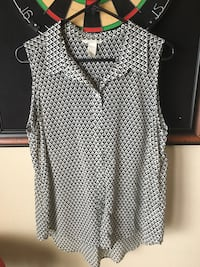Black and white flowing tank H&M size 12 Carrollton, 75010
