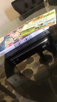 Wii console w/ Games Suitland, 20746