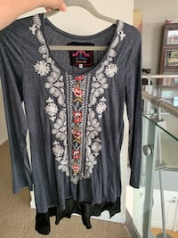 JWLA by Johnny Was - Long Sleeve Embroidered knit Charcoal Top with Flounce Medium M Med