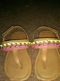 toddle's brown t-strap sandals Palm Springs, 92262