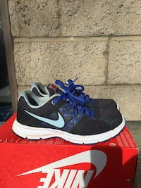 NIKE SHOES  Niagara Falls, L2E 2G9