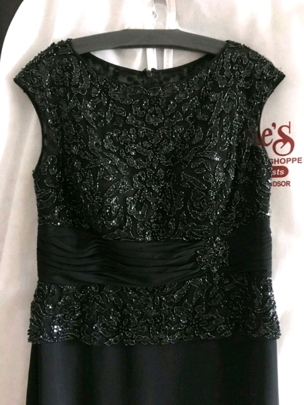Long Black Formal Mother of the Bride Dress Sz 16 e7ca9b85-9af2-4424-a20d-96adcbb9d5c9