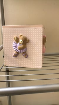 baby's white and brown crib mobile Frederick, 21702