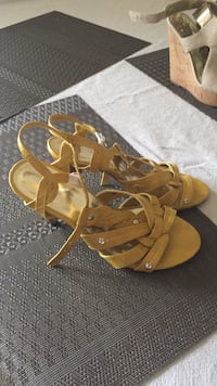 pair of brown leather open-toe heeled sandals Santa Rosa, 95404