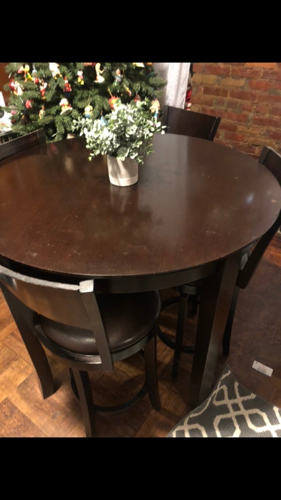 used bar stool table and four chairs price is firm some scratches rh gb letgo com