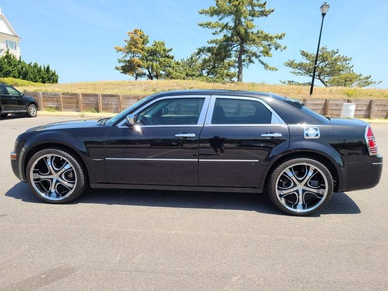 2010 Chrysler 300 Touring Only 58K Miles - CLEAN CARFAX! 5bc13e94-2c62-465f-bed7-8faec0c03bbf