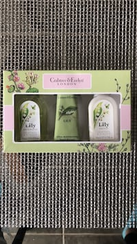 Crabtree and Evelyn Lily travel trio