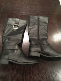 Pair of black buckled riding boots Niagara-on-the-Lake, L0S 1J0