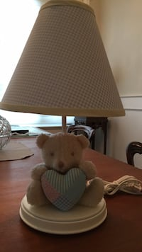 Kids table lamp in very good condition Vancouver, V5S 4W3