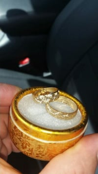 two gold-colored rings Miami Gardens, 33014
