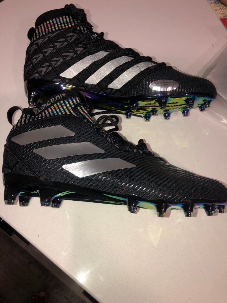 Photo Adidas mens football cleats (Size 12)
