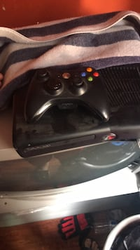 black Xbox 360 console with controller Norwalk, 90650