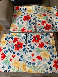 Cotton Placemats (flowers, great for outdoors decoration)