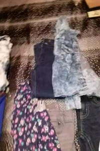 Girls clothes size 4&5 t Akron, 44305