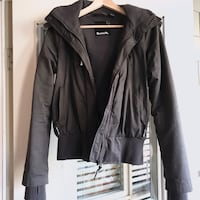 Bench winter jacket coat women's size small like new  North Vancouver, V7H 2T5