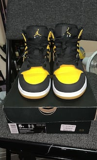 "Air Jordan 1 Mid ""New Love"" Mississauga, L5V 2K9"