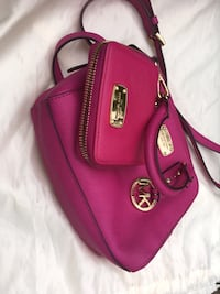 Michael Kors purse and wallet set. Like new. Anchorage, 99507