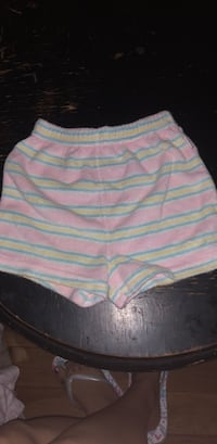 shorts  6-9 months childrens place Round Lake Park, 60073