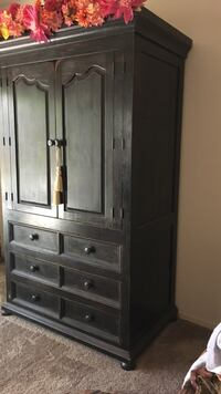 brown wooden wardrobe with mirror Las Cruces, 88007