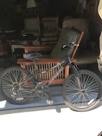 Raleigh Mid sized bike (needs new wheels) Annapolis, 21403