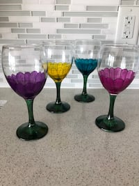 Decorative flower wine glasses Toronto, M4S 3H8