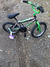 children's black and green bicycle Lynnwood, 98037