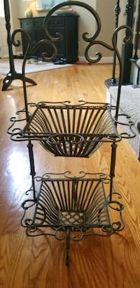 Southern Living Metal Scrolled Basket Great Falls, 22066