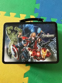 Avengers lunch box Victoria, V8N 1E3