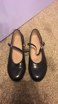 Bloch black tap shoes with taps Maple Ridge, V2X 4T1