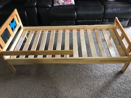 Kid's bed with mattress