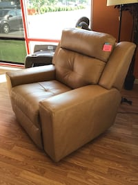 New Leather Power Recliner  Virginia Beach, 23462