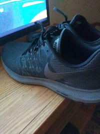 pair of gray Nike running shoes Albuquerque, 87108