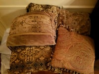 5 couch throw pillows - excellent condition Madison, 35757