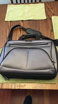 Kenneth Cole reaction computer bag Anchorage, 99507