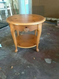 round brown wooden side table Port Richey, 34668
