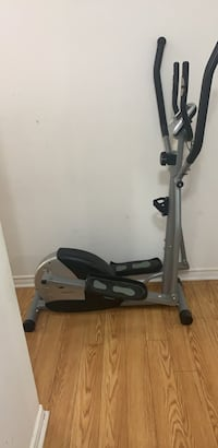 Elliptical machine ( Extreme weight reduce) Toronto, M3A 3M3