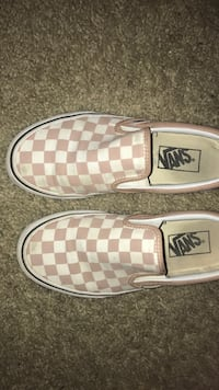pink-and-white checked Vans slip-on shoes Menifee, 92586
