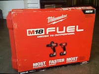 """MIlWAUKEE.M18 FUEL BRUSHLESS.  New brand: Hammer drill 1/2"""", Hex impact Driver 1/4"""", charge, 02 bat"""