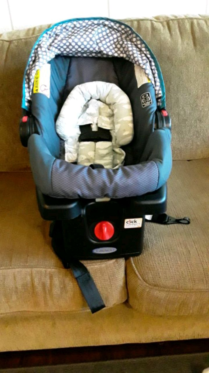Photo Graco Snugride 30 Carseat and Base