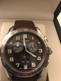 Round silver chronograph watch with brown leather strap Des Moines, 50316