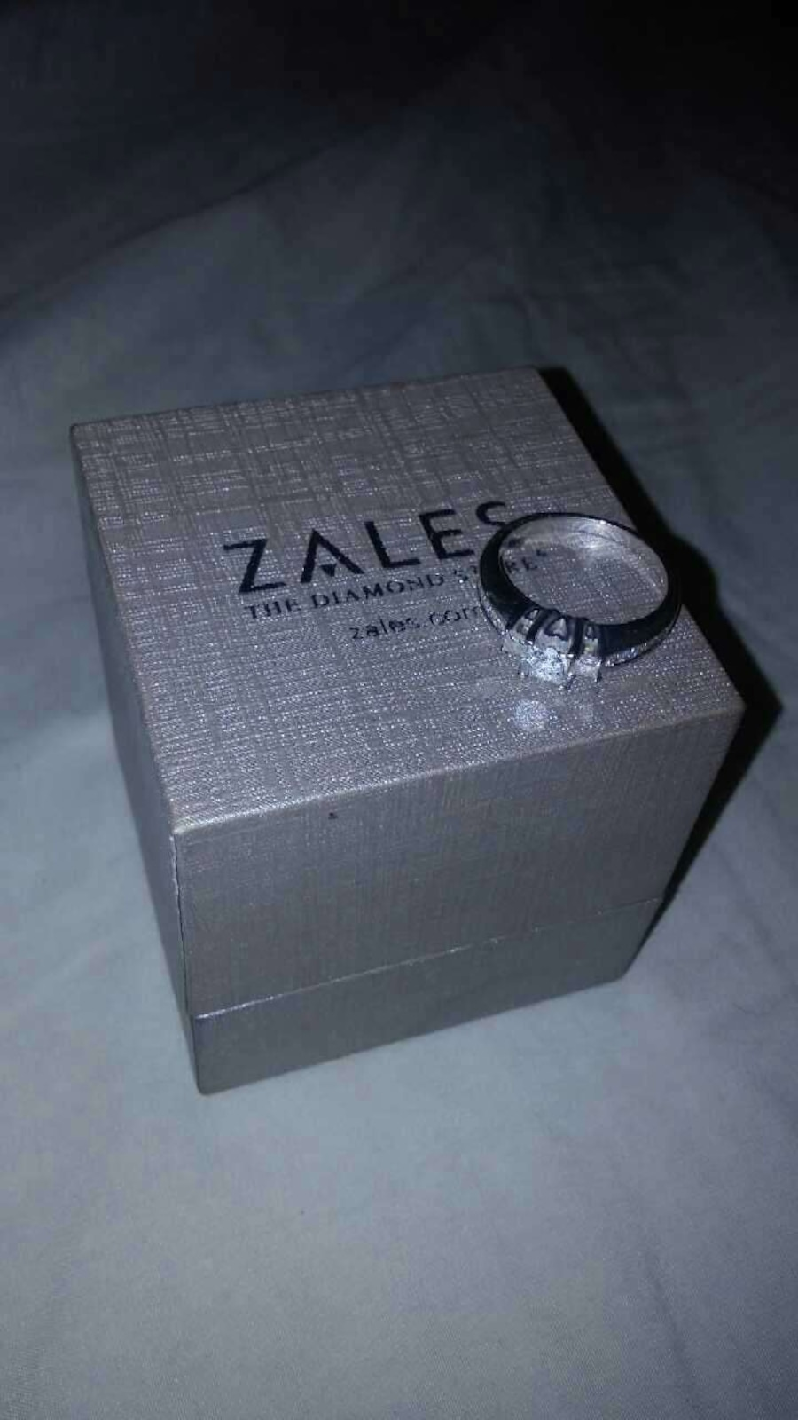 silver zales ring on box in springfield letgo