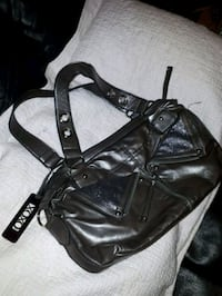 black leather 2-way handbag Surrey, V3X 1N2