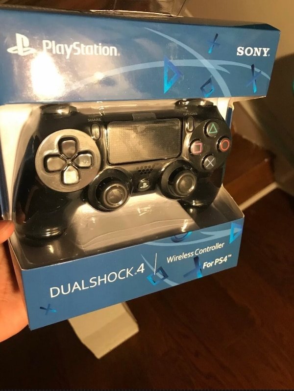 Black Sony PS4 DualShock 4 Controller