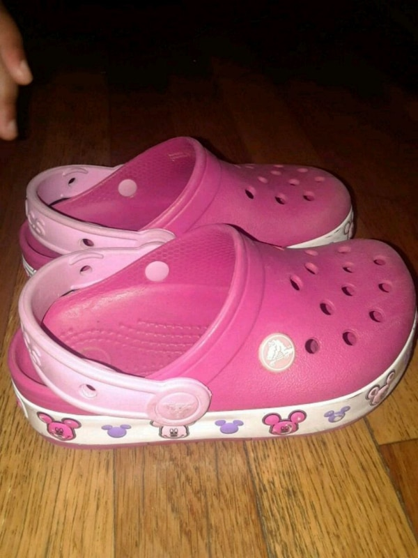 c91276bfea1a Used Girls Crocs Size 11 for sale in Elizabeth - letgo