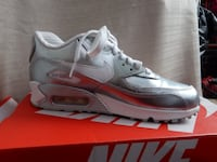 Silver air max size 5y New York, 11368