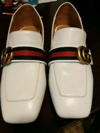 Gucci mid size leather loafer Burnaby, V5C 1B1
