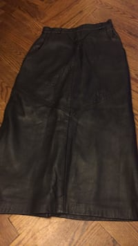 100% size 3 leather designer skirt by Ermanoi. $40 for a quick sale. I don't know if it was ever worn. Vaughan, L4J 5L7