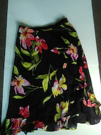 black, green, and red floral midi skirt Columbia, 29210