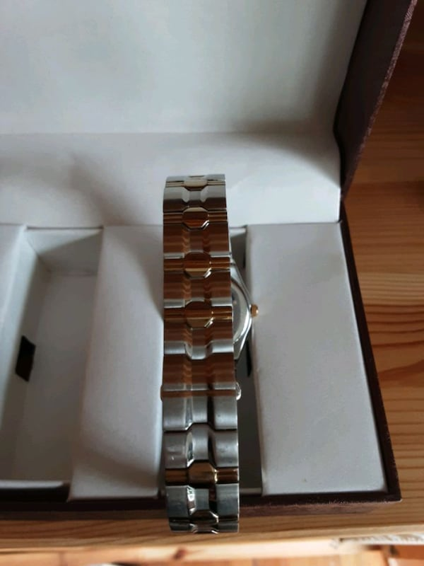 Women's watch HARDLY USED WORN 2 TIMES bdcf39f0-d878-431a-b909-aaa0d408ca6e