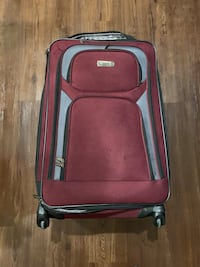 Polka dot Olympia suitcase  Red Kenneth Cole suitcase